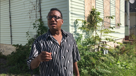 Hoeltzer Street resident Jerry Ingram lives next door to Ibero's vacant house.