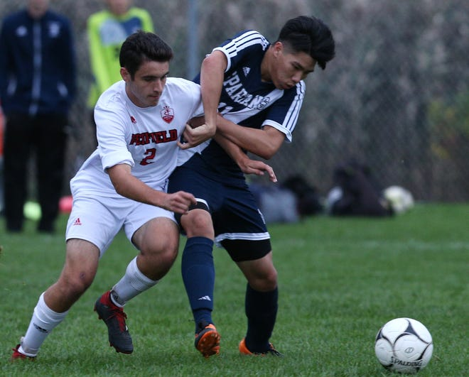 Penfield's Tai Little battles Gates Chili's Steven Nguyen during a game at Gates Chili last week. Little and the Patriots defeated McQuaid in the Section V Class AA quarterfinals on Friday night.
