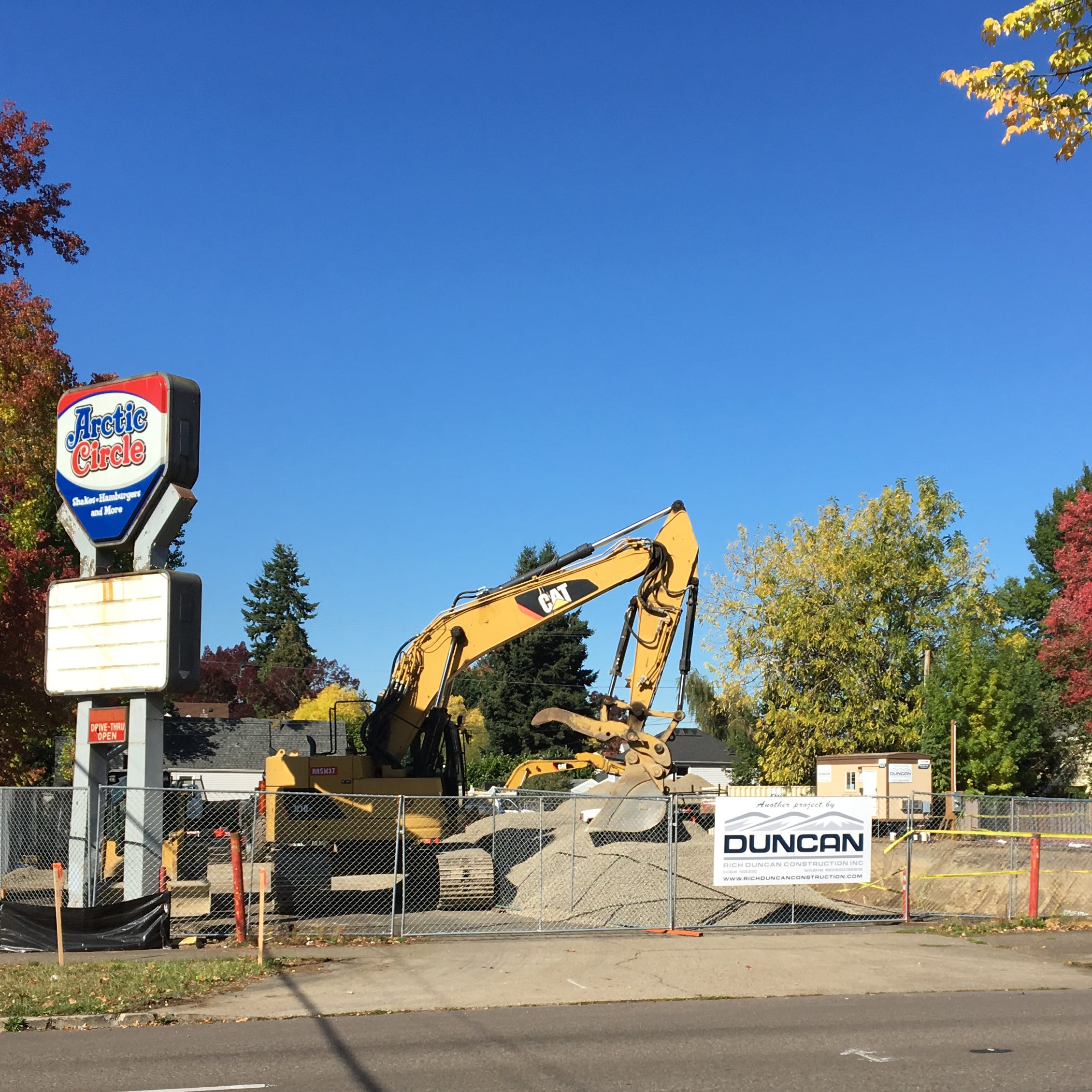 What's going on at the old Bob's Hamburgers and Arctic Circle on Capitol St.?