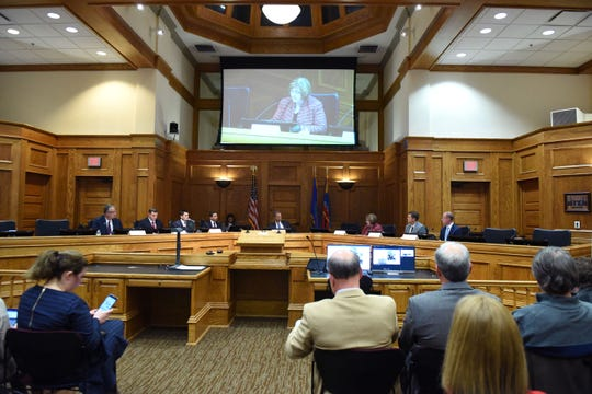 Committee speaks about bringing 5G to Sioux Falls at Carnegie Town Hall Friday, Oct. 12, 2018.