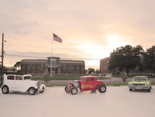 The first Evangel University Car Show & Cruise will take place Saturday, Oct. 20, from 8-11 a.m., at which time participants will cruise through the country on old Route 66.
