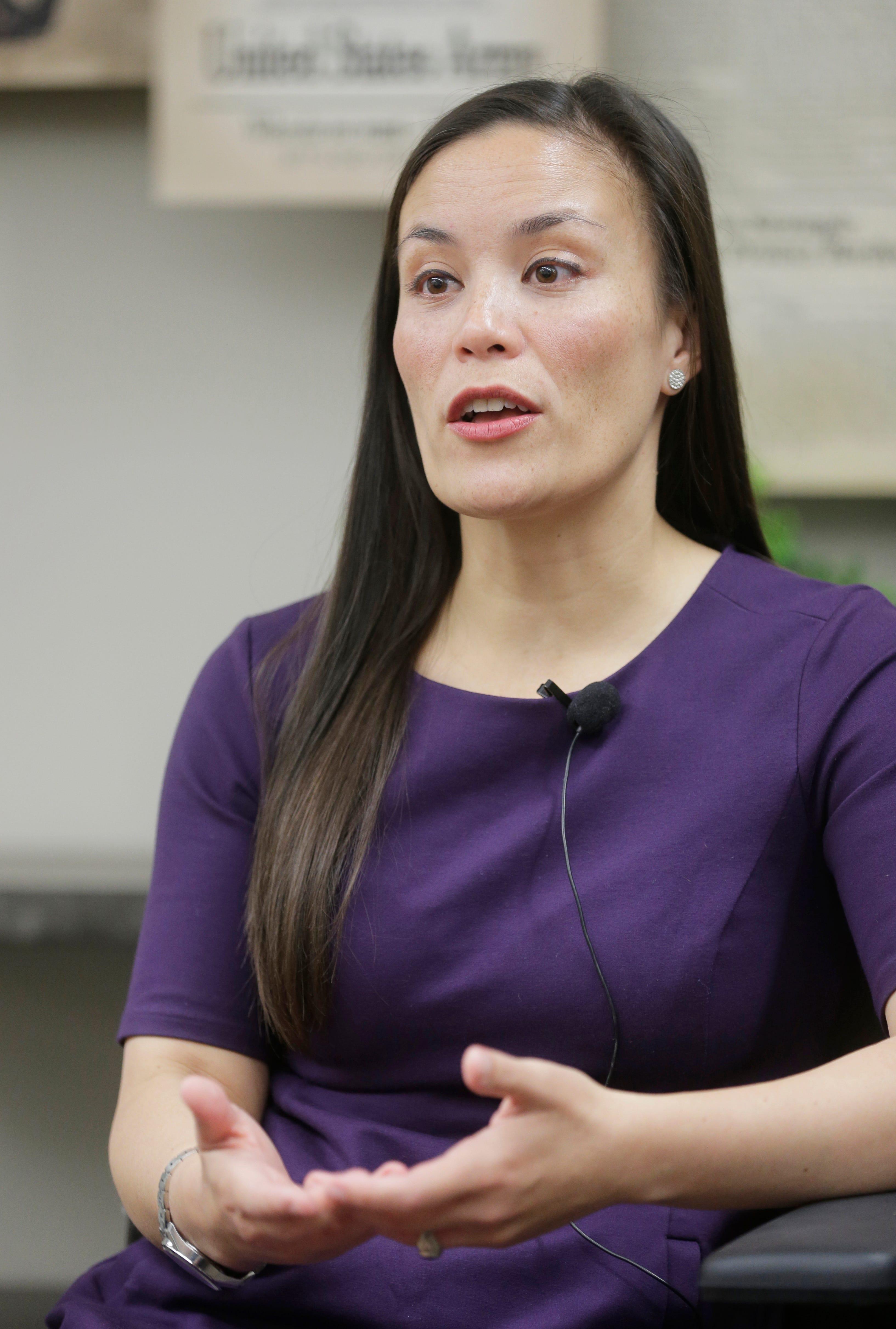 Democrat Gina Ortiz Jones visits El Paso ahead of Nov. 6 general election | El Paso Times