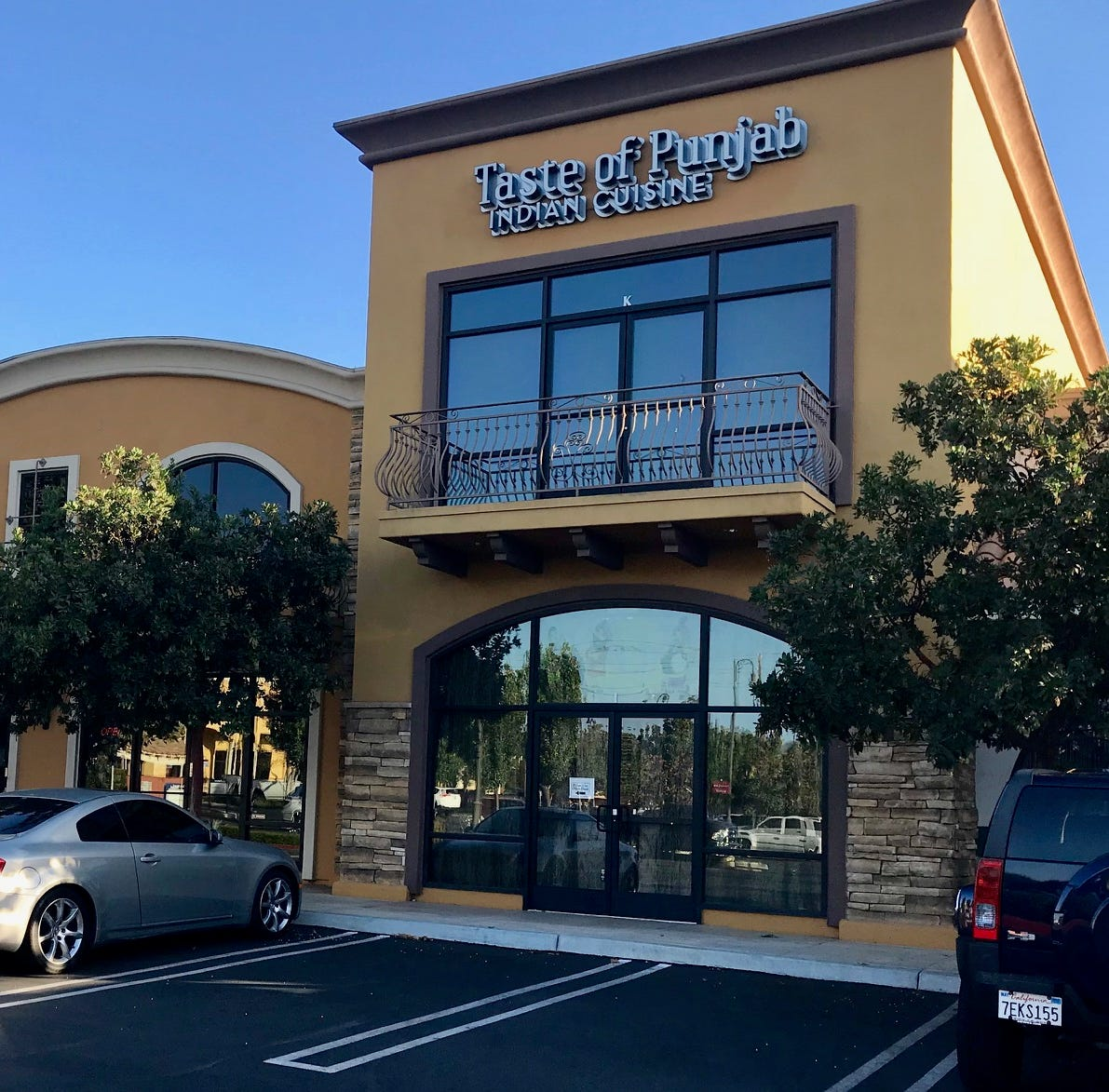 Taste of Punjab Indian Cuisine is in a busy Moorpark shopping center, but inside the restaurant there is serenity and enticing food.