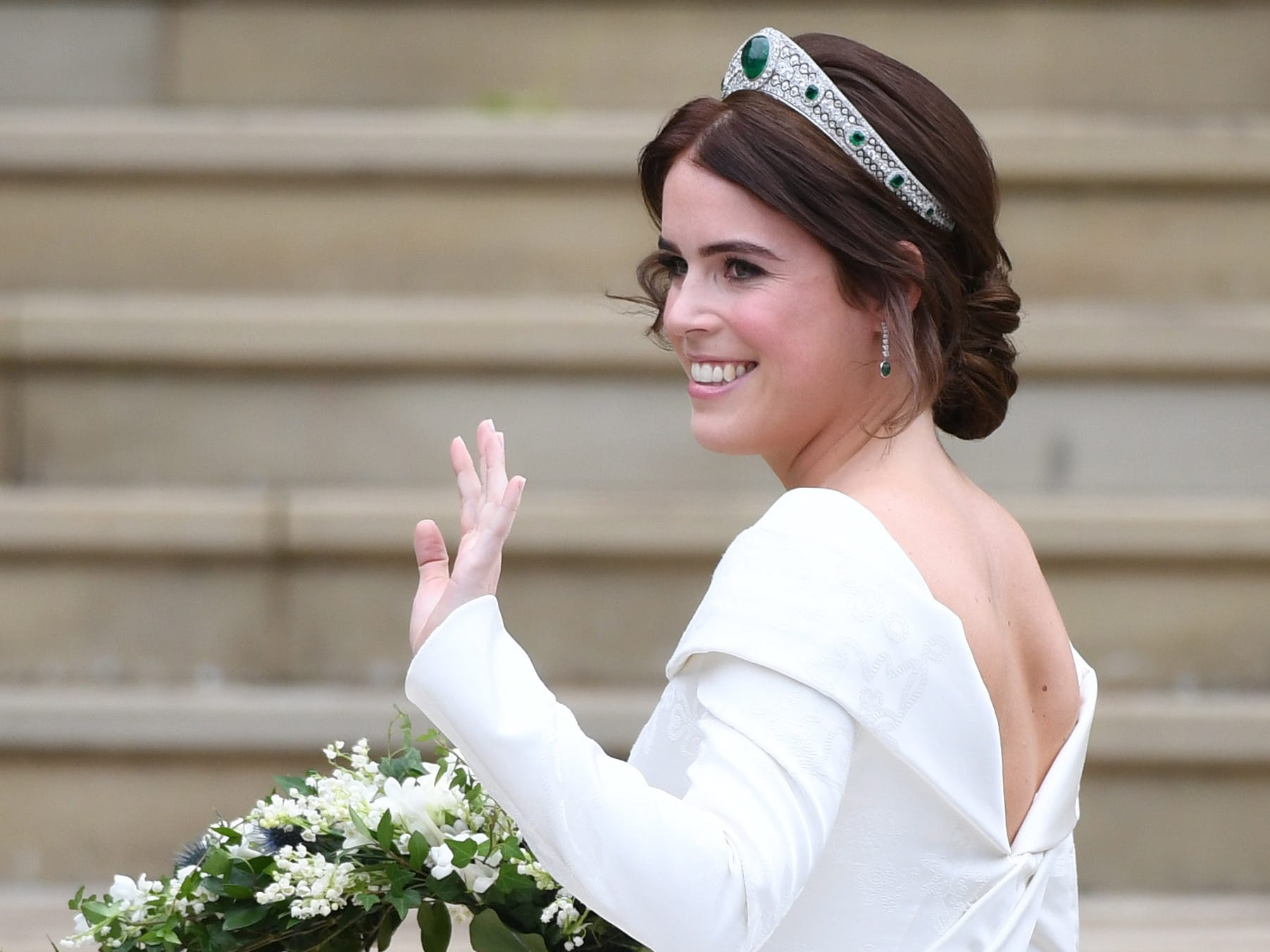 epa07087982 Britain's Princess Eugenie of York arrives for her royal wedding ceremony to Jack Brooksbank at St George's Chapel at Windsor Castle, in Windsor, Britain, 12 October 2018.  EPA-EFE/NEIL HALL ORG XMIT: FMA0001