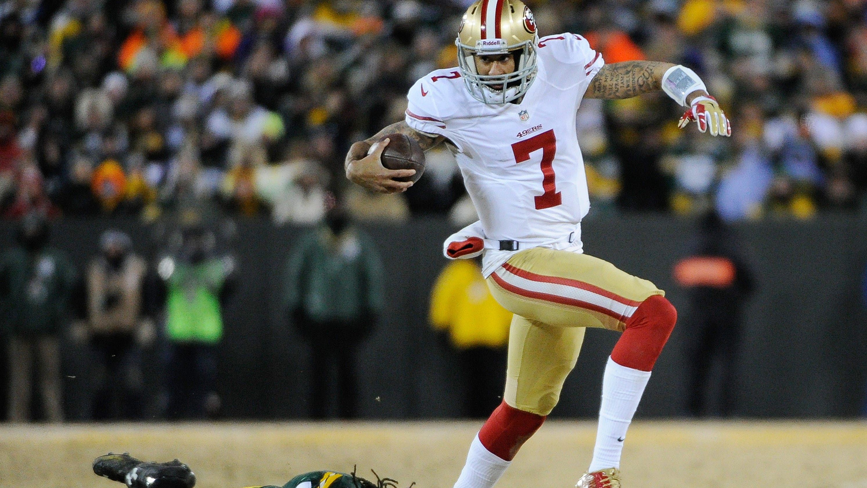reputable site c531c cbaa1 San Francisco 49ers omit Colin Kaepernick from Packers photo ...