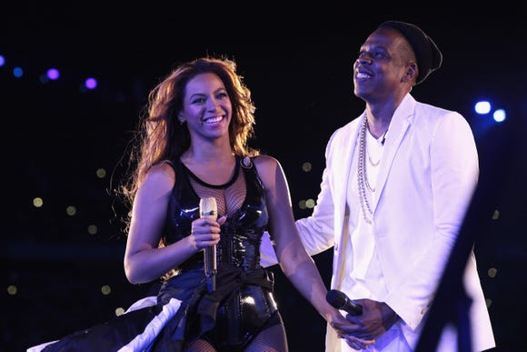 Beyonce and Jay-Z honored their friend Jon Platt in Los Angeles Thursday night.