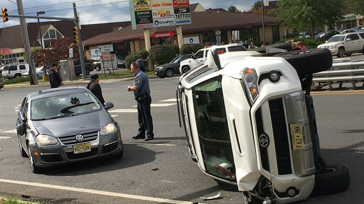 Brick Boulevard 3-vehicle accident forces lane closures