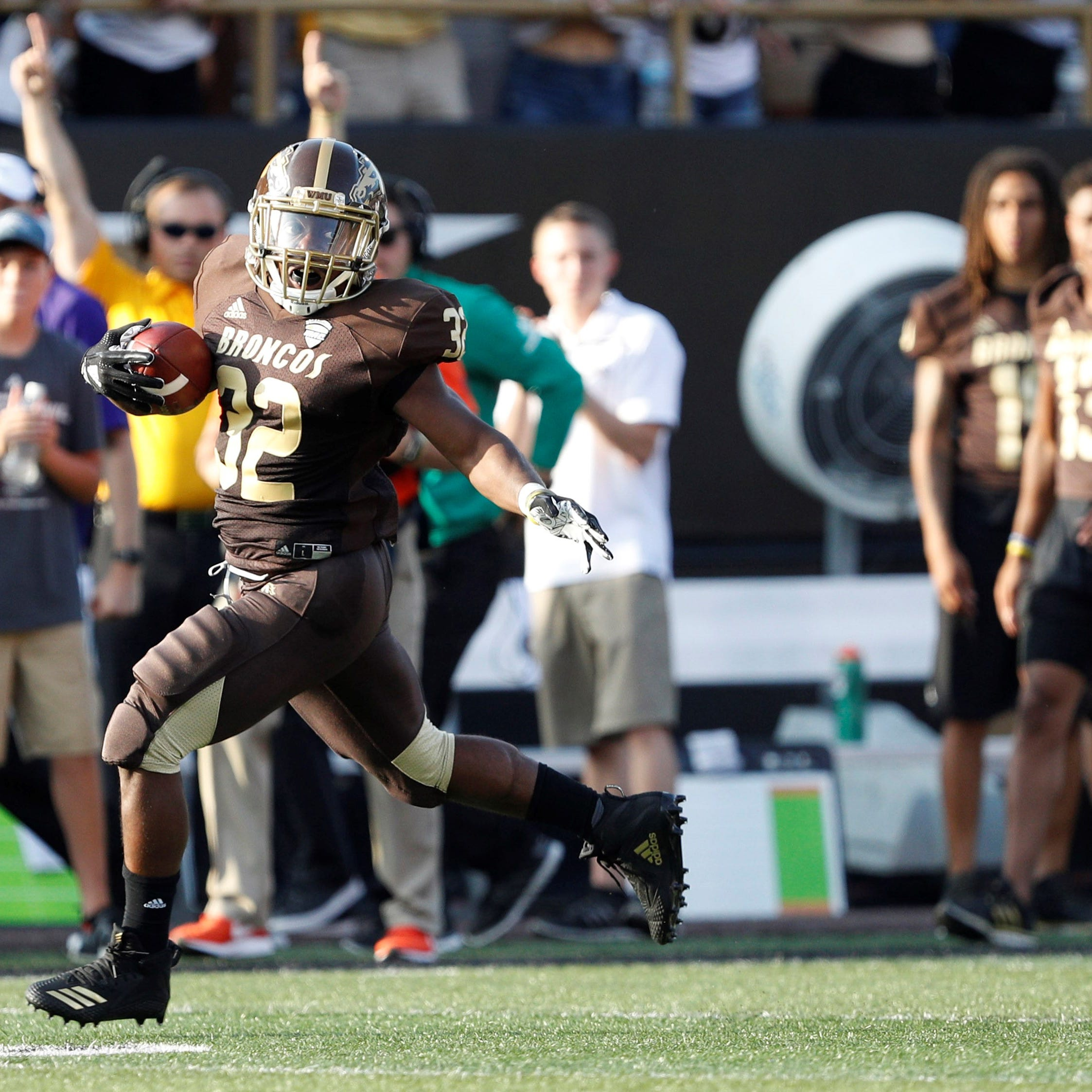 Western Michigan football: Jamauri Bogan's 4 TDs help Broncos stay unbeaten in MAC