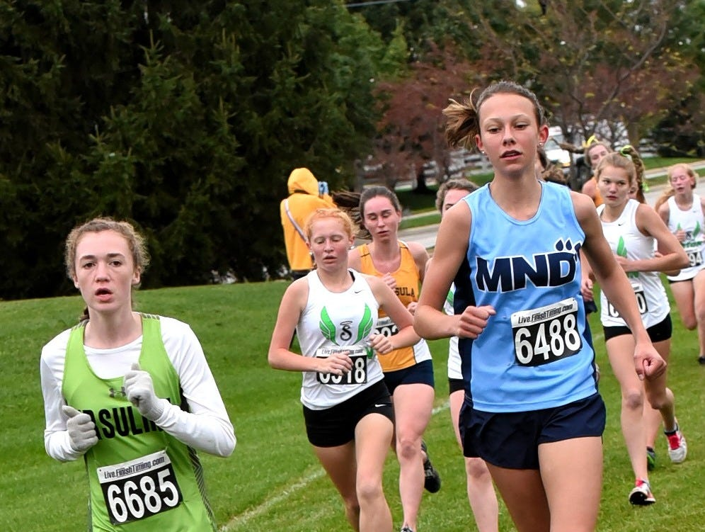 Ladies from the GGCL run hard at the 2018 GCL/GGCL Cross Country Championships, October 13, 2018.