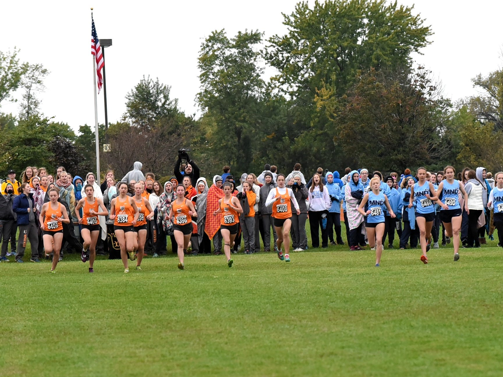 The ladies of the GGCL hit the trail at the 2018 GCL/GGCL Cross Country Championships, October 13, 2018.