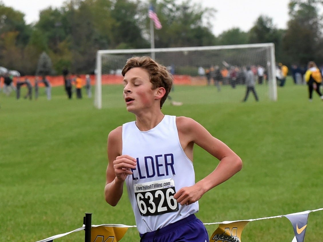 Elder's Kevin Schenkel cuts a tight turn while running at the 2018 GCL/GGCL Cross Country Championships, October 13, 2018.