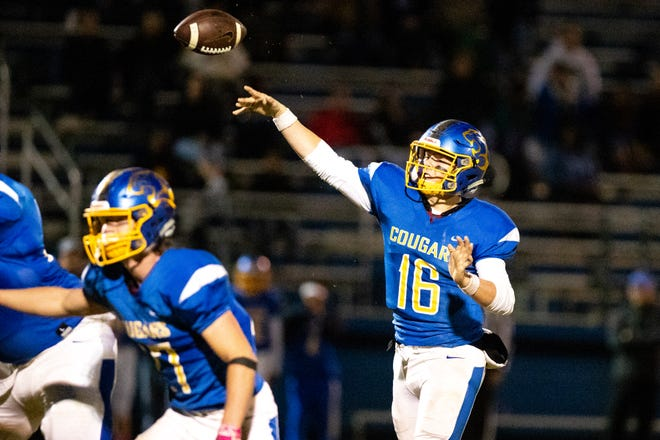 Bryce Robinson (16) of Clarksville Academy passes the ball during the second half at Clarksville Academy Sports Complex Friday, Oct. 12, 2018, in Clarksville, Tenn.