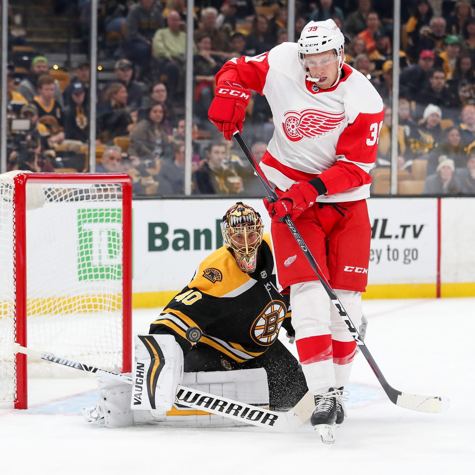 Detroit Red Wings' Anthony Mantha struggling, but can't snap out of it