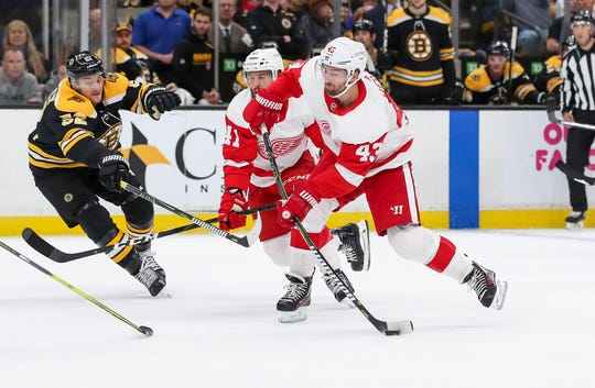 Red Wings center Darren Helm takes a shot during the first period on Saturday, Oct. 13, 2018, in Boston.