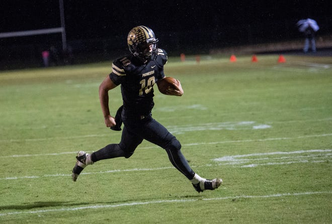 Boonville's Jackson Phillips (10) run the ball in for a touchdown during the Boonville vs Mount Carmel game at Bennett Field Friday, Oct. 12, 2018. The Pioneers beat the Golden Aces 40-12 earning the Big Eight title.