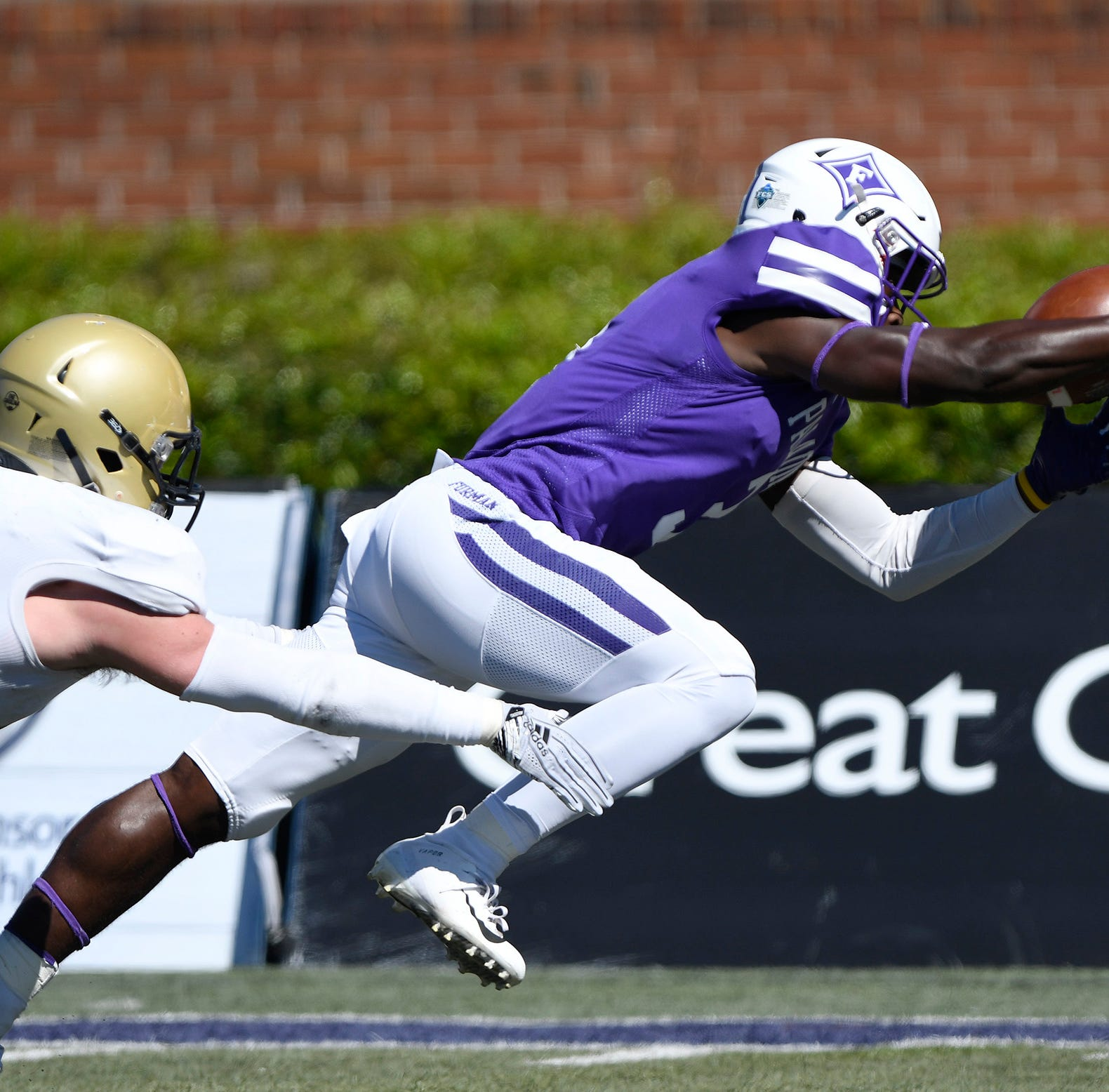 Furman uses good balance to topple No. 4 Wofford