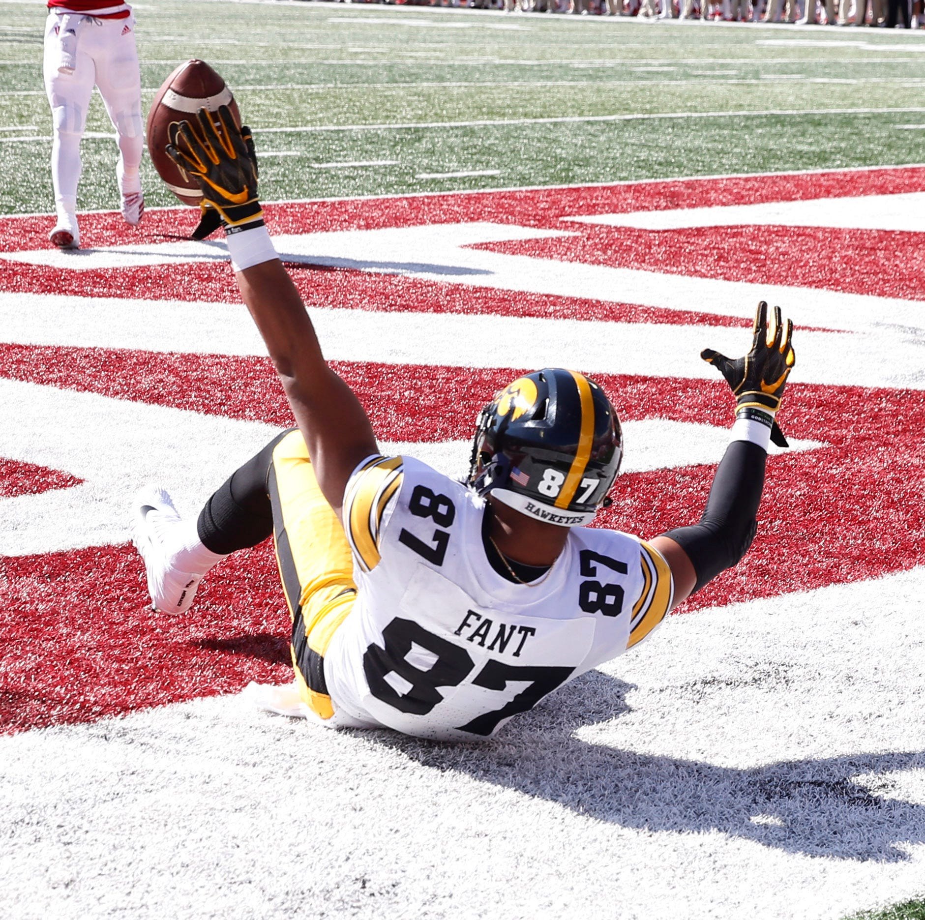 T.J. Hockenson, Noah Fant add to Iowa's tight end legacy in beatdown of Indiana