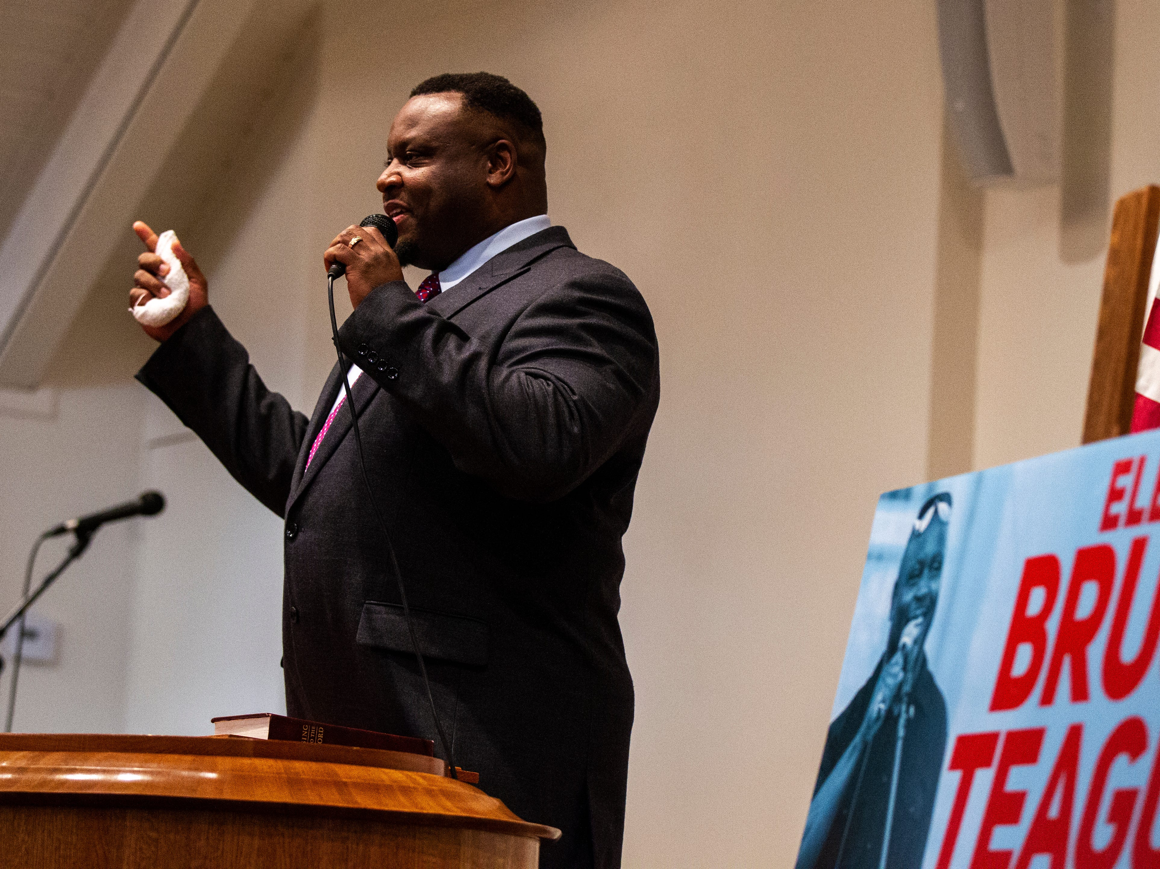 Bruce Teague thanks supporters after his swearing in ceremony for Iowa City council on Saturday, Oct. 13, 2018, at the Church of Nazarene on Wade Street in Iowa City.