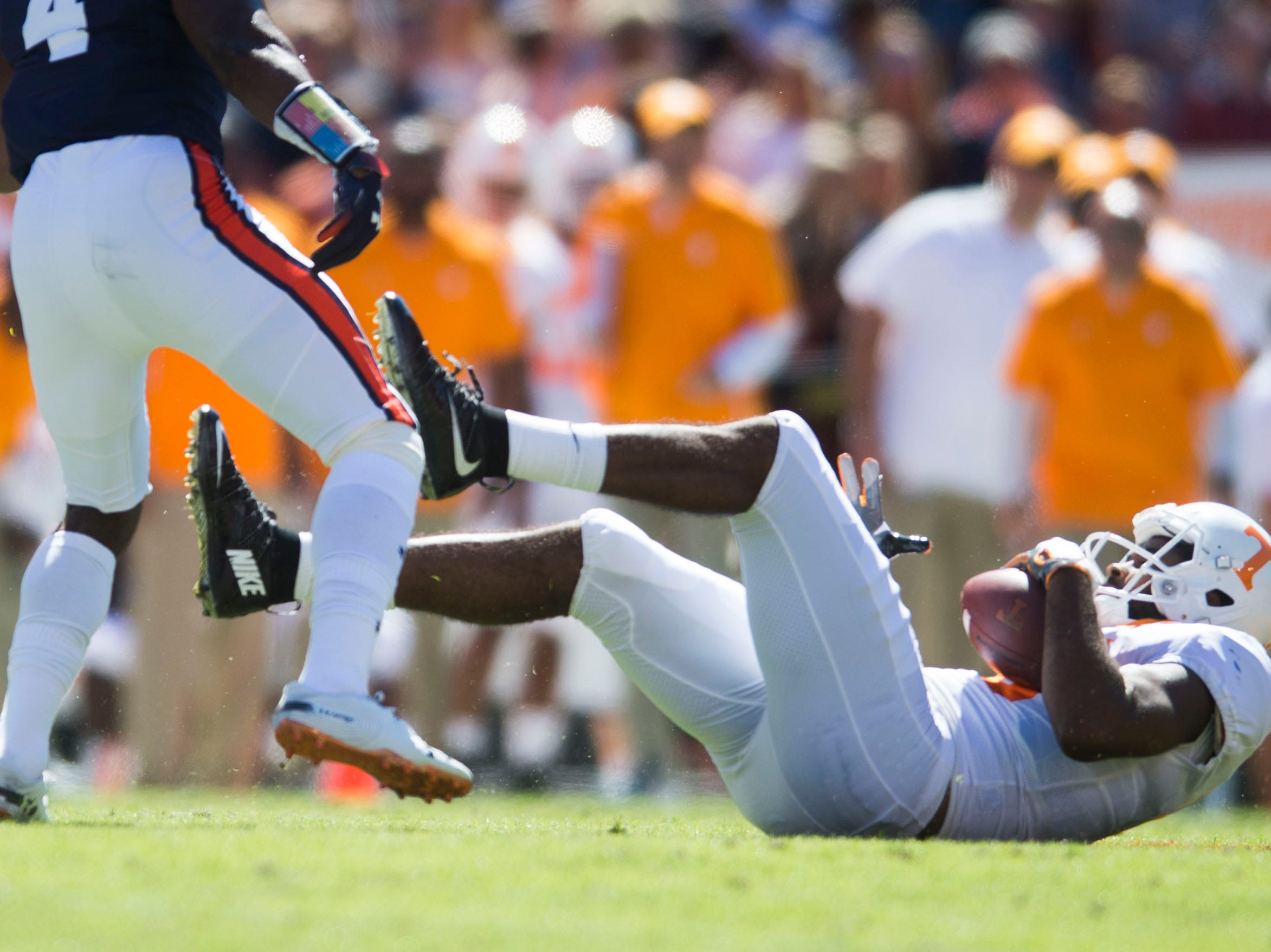 Tennessee wide receiver Jauan Jennings (15) falls with the ball during a game between Tennessee and Auburn at Jordan-Hare Stadium in Auburn, Ala. Saturday, Oct. 13, 2018.
