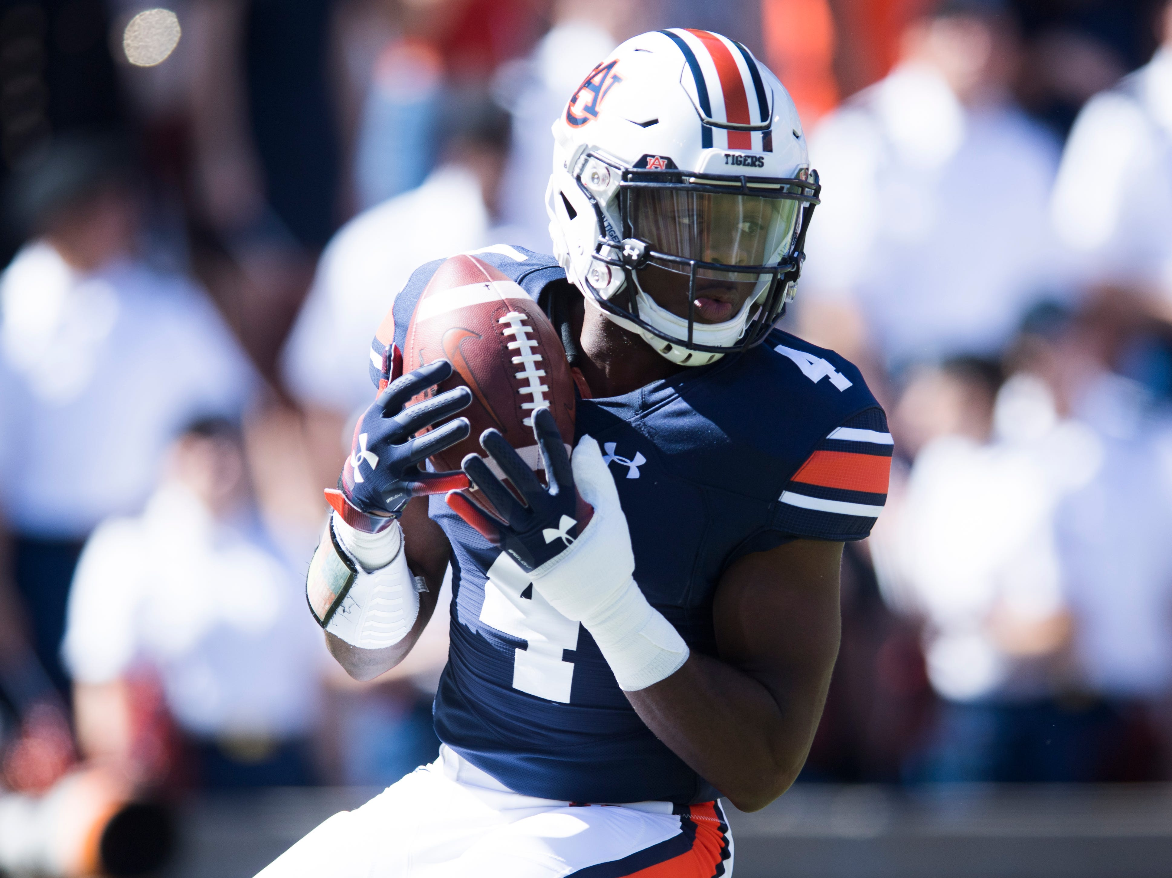 Auburn wide receiver Noah Igbinoghene (4) makes a catch during a game between Tennessee and Auburn at Jordan-Hare Stadium in Auburn, Alabama on Saturday, October 13, 2018.
