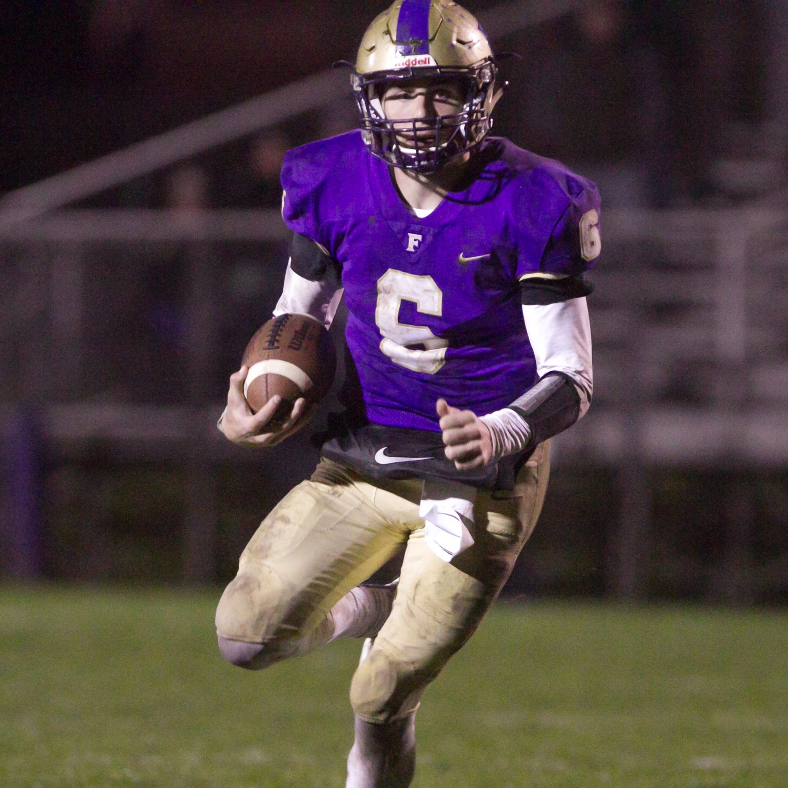 Football roundup: Fowlerville, Pinckney, Hartland lose
