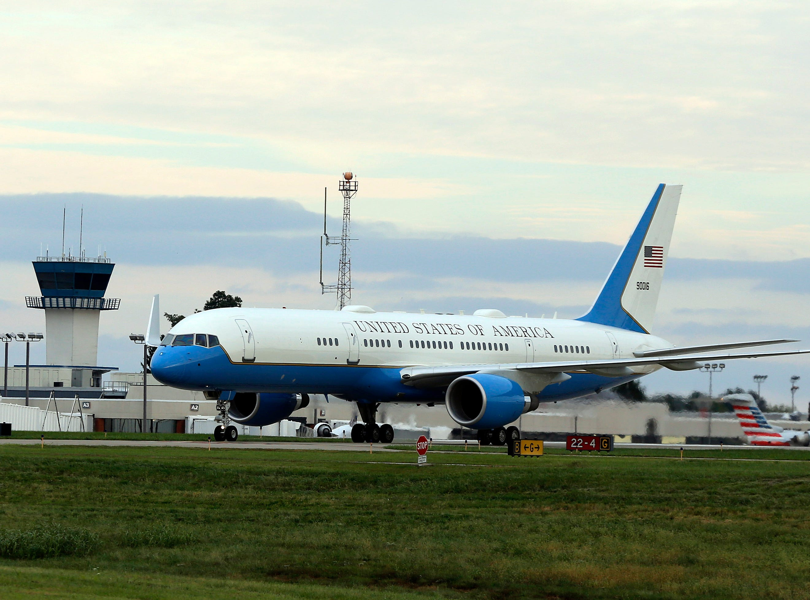 Air Force One arrives at Bluegrass Airport in Lexington, Oct. 13, 2018.