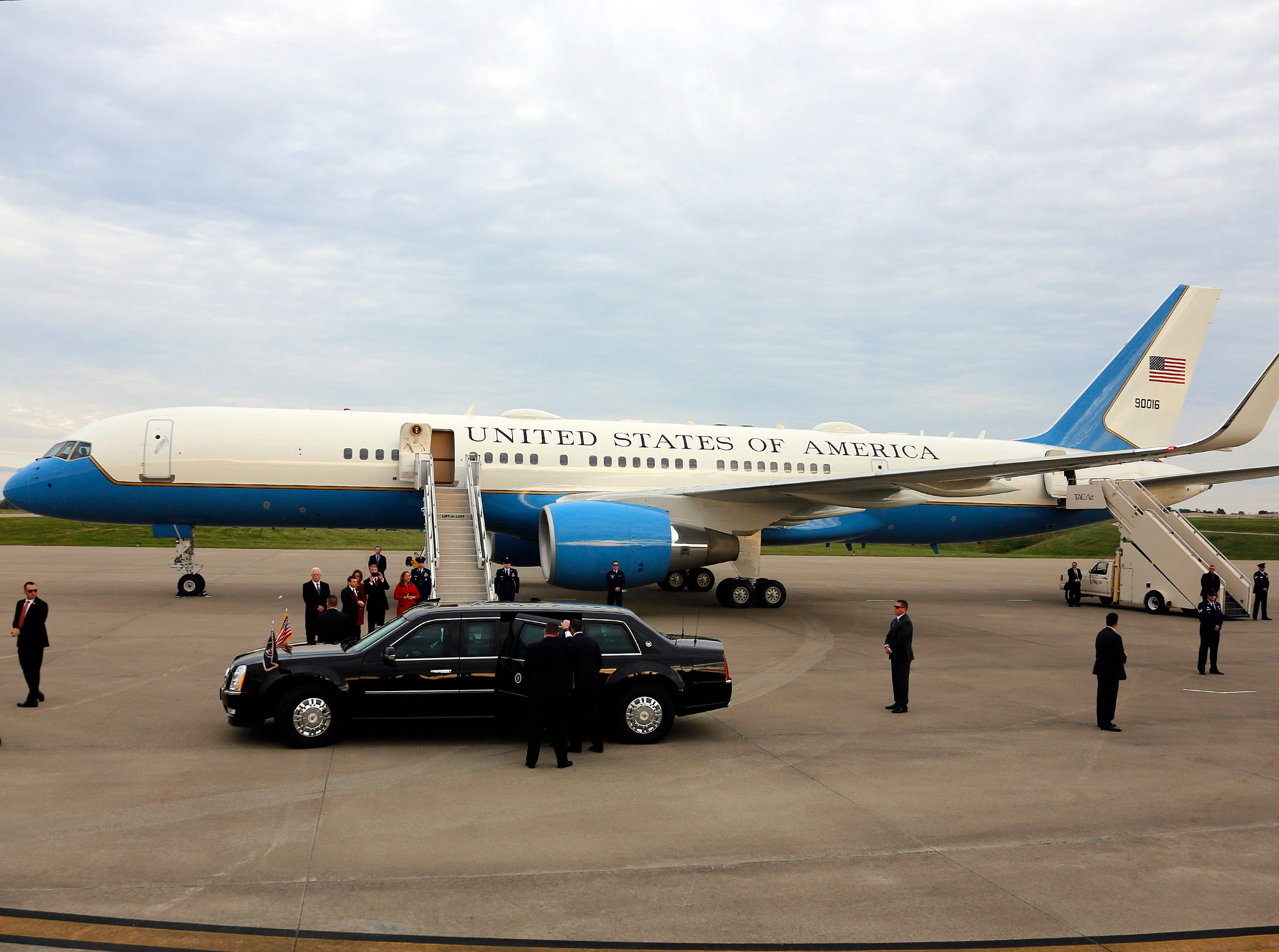 The Presidental limo prepares to leave with Pres.Trump, Sen. Mitch McConnell and Gov. Bevin near Air Force One at Bluegrass Airport in Lexington, Oct. 13, 2018.