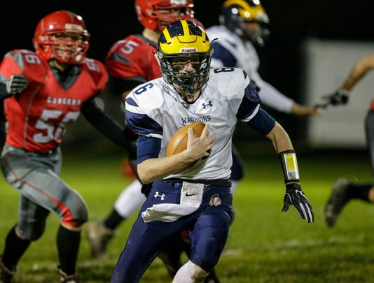 Man Ozaukee At Lutheran 101218 Jc1131