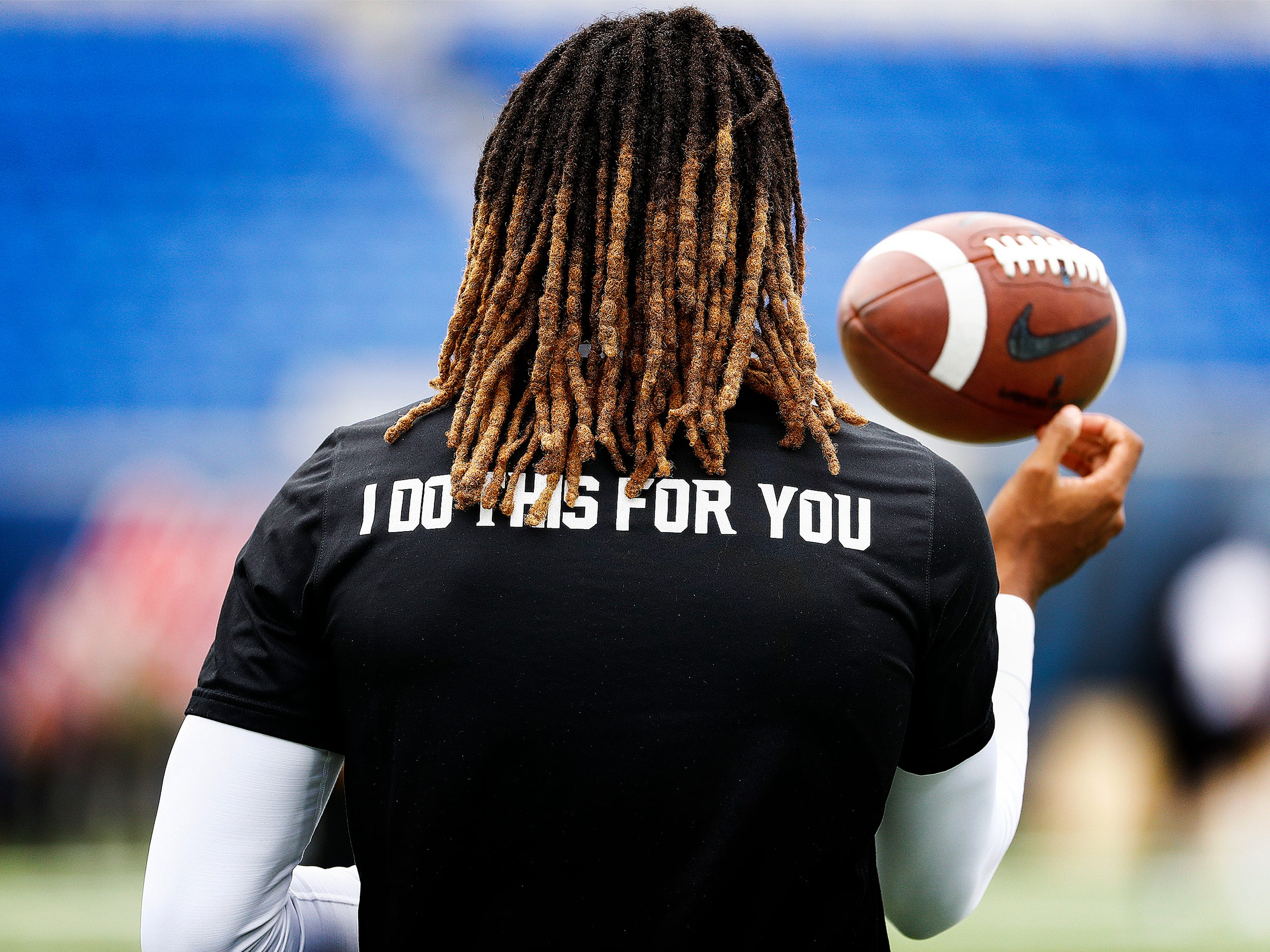 Memphis back up quarterback Markevion Quinn warms up before taking on Central Florida in Memphis, Tenn., Saturday, October 13, 2018.