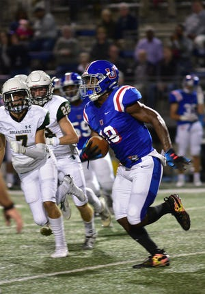 MUS' Maurice Hampton (18) runs against Briarcrest on Oct. 12, 2018.