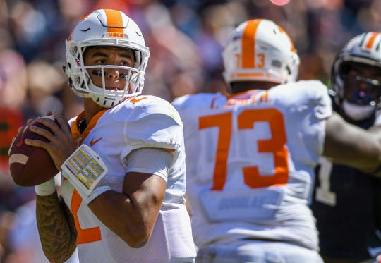 Tennessee quarterback Jarrett Guarantano (2) passes the ball against Auburn during the second half Saturday, Oct. 13, 2018, at Jordan-Hare Stadium in Auburn, Ala.