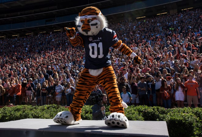 Auburn mascot, Aubie, pumps up the crowd at the beginning of the day at Jordan-Hare Stadium in Auburn, Ala., on Saturday, Oct. 13, 2018. Tennessee defeated Auburn 30-24.