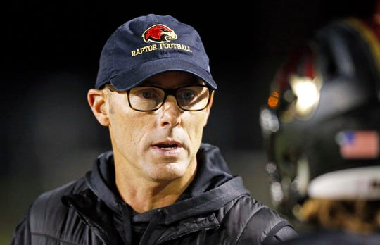 Former NFL kicker David Akers has served as a volunteer assistant coach for Ravenwood this season.