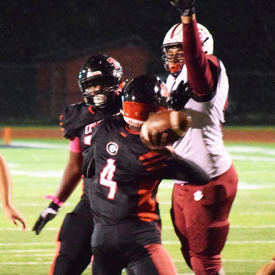 Newark football seniors have chance to play spoiler in home finale