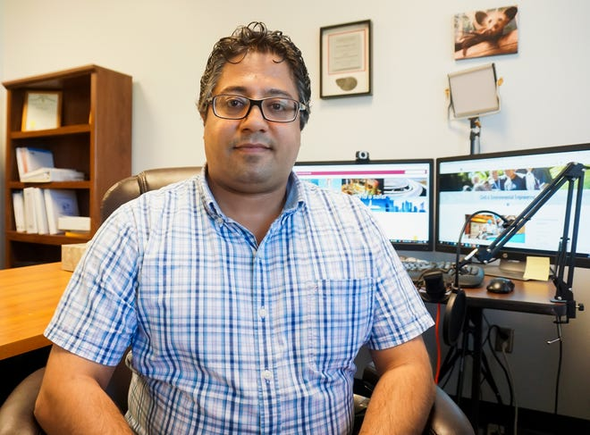 Ehsan Dehghan Niri, an assistant professor in New Mexico State University's Department of Civil Engineering, has received a three-year, $400,00 grant from the U.S. Department of Energy. In collaboration with Arizona State University, Dehghan Niri is leading a project to create a bio-inspired robot to inspect tubular structures in coal power plants.