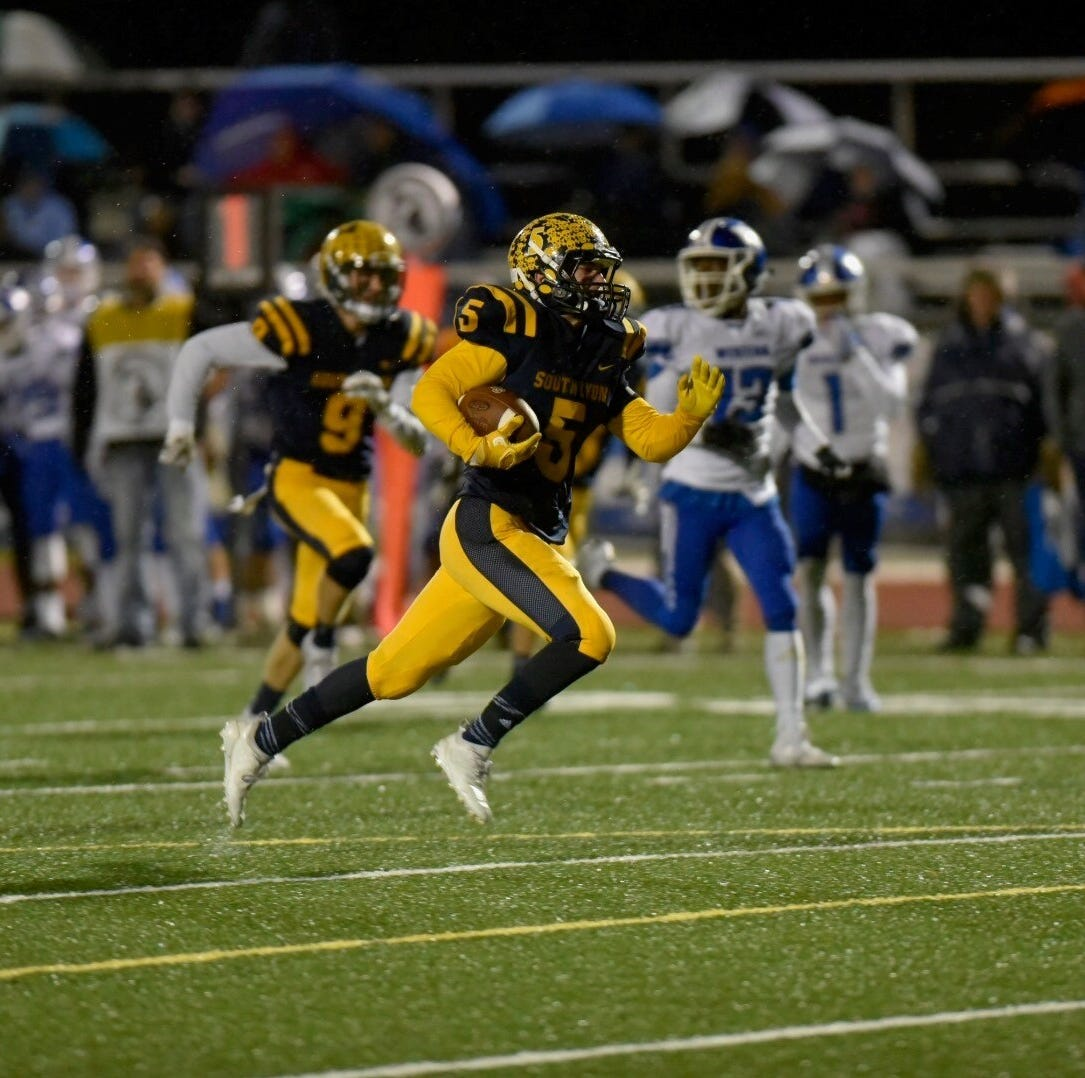 South Lyon clinches conference with 29-19 win over Western
