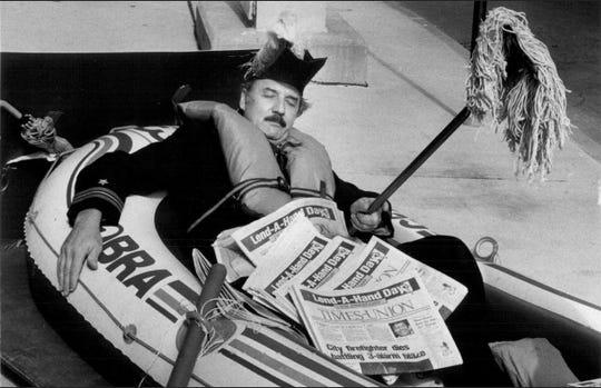Sept. 18, 1976: J. D. Stewart o Old Newsboys Day.