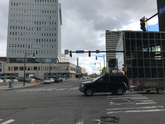 Lights wait to go live when the intersection of South Clinton Avenue and East Broad Street gets a new traffic pattern Oct. 18.