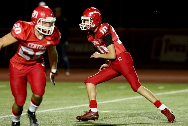 Central quarterback Brooks Ferguson (10) competes in the first half of the North Salem vs. Central football game at Central High School of Independence on Friday, Oct. 12, 2018