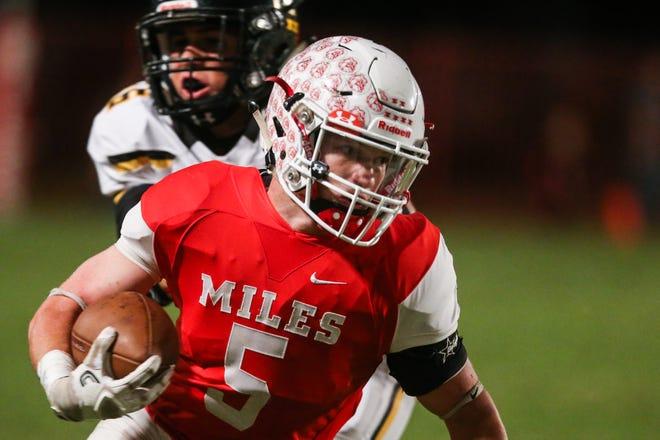 Miles' Mason Bryan runs the ball against Menard Friday, Oct. 12, 2018, at Miles Bulldog Stadium.