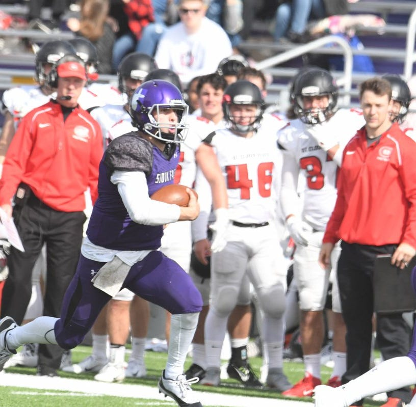 St. Cloud State hands USF Cougars rare home loss