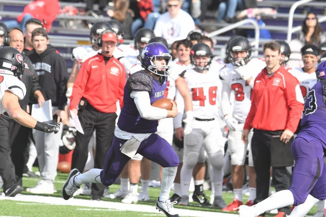 Caden Walters takes off for USF. The Cougars lost 30-27 to St. Cloud State