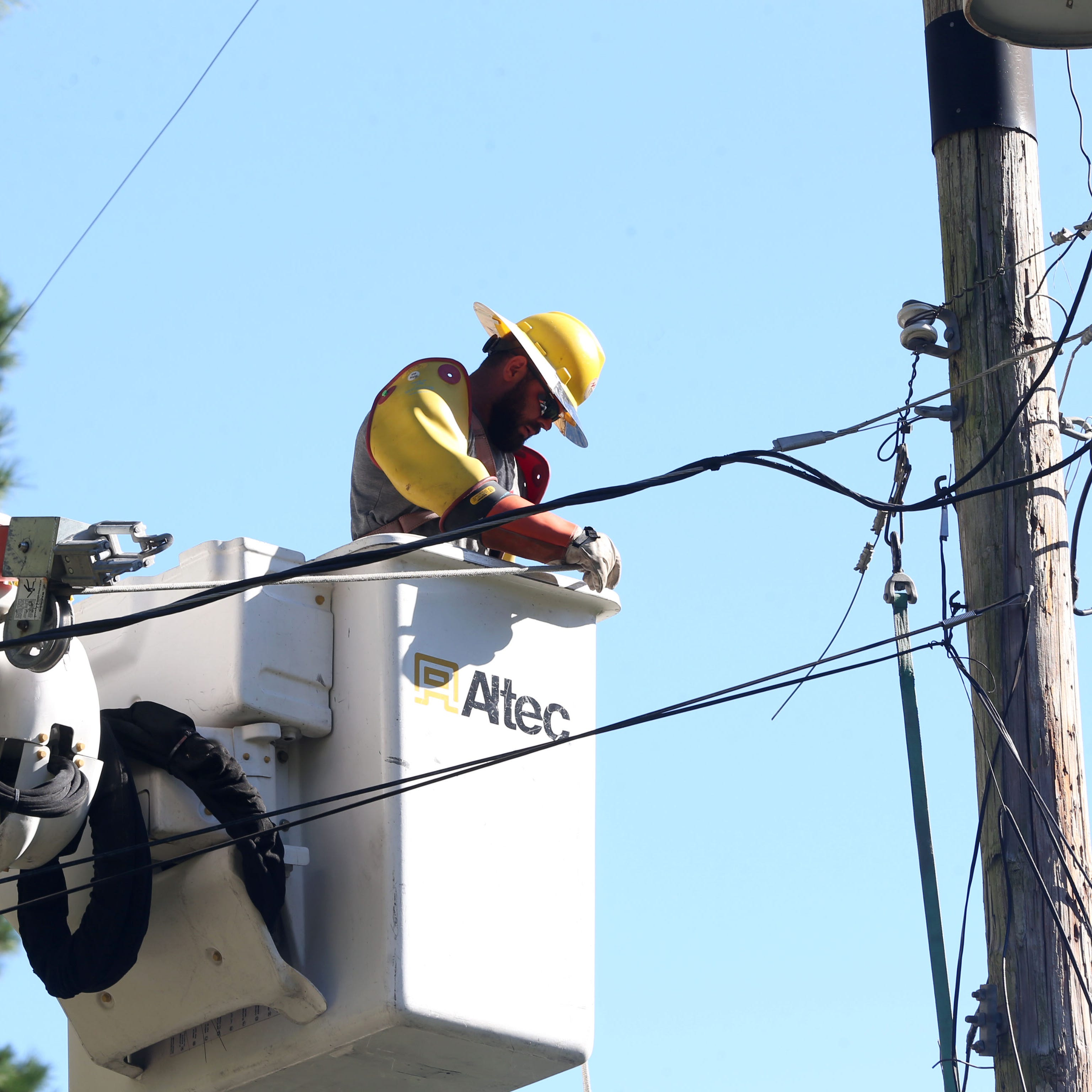 Tallahassee power restoration to be 'substantially complete' by Wednesday, a week after Hurricane Michael
