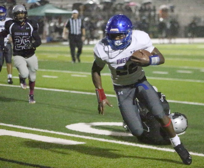 Americas running back Aaron Dumas finds room to run against Franklin.