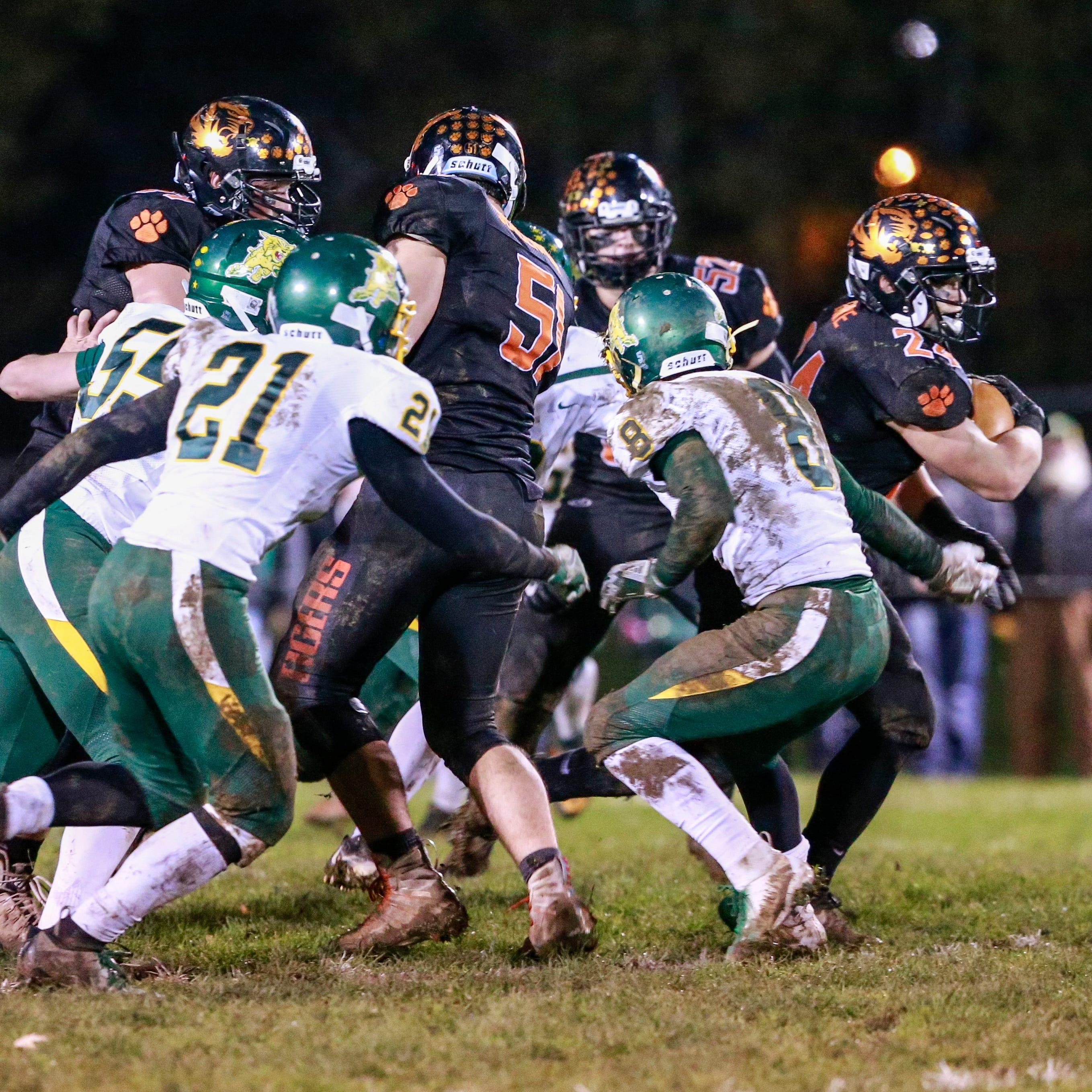 WIAA football playoffs: Edgar's experience could be key in state semifinal matchup
