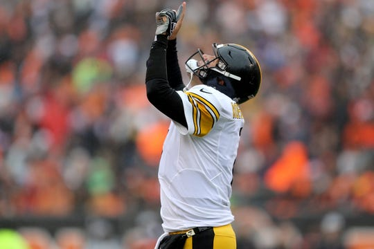 Pittsburgh Steelers quarterback Ben Roethlisberger (7) celebrates a touchdown in the first quarter during the Week 6 NFL game between the Pittsburgh Steelers and the Cincinnati Bengals, Sunday, Oct. 14, 2018, at Paul Brown Stadium in Cincinnati. It was tied 14-14 at the half.