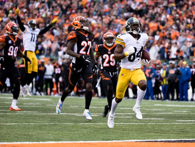 Pittsburgh Steelers wide receiver Antonio Brown (84) runs for a touchdown leaving 10 seconds on the clock with the Pittsburgh Steelers leading Cincinnati Bengals during a Week 6 NFL game between the Cincinnati Bengals and the Pittsburgh Steelers, Sunday, Oct. 14, 2018, at Paul Brown Stadium in Cincinnati. Pittsburgh Steelers defeated Cincinnati Bengals 28-21.