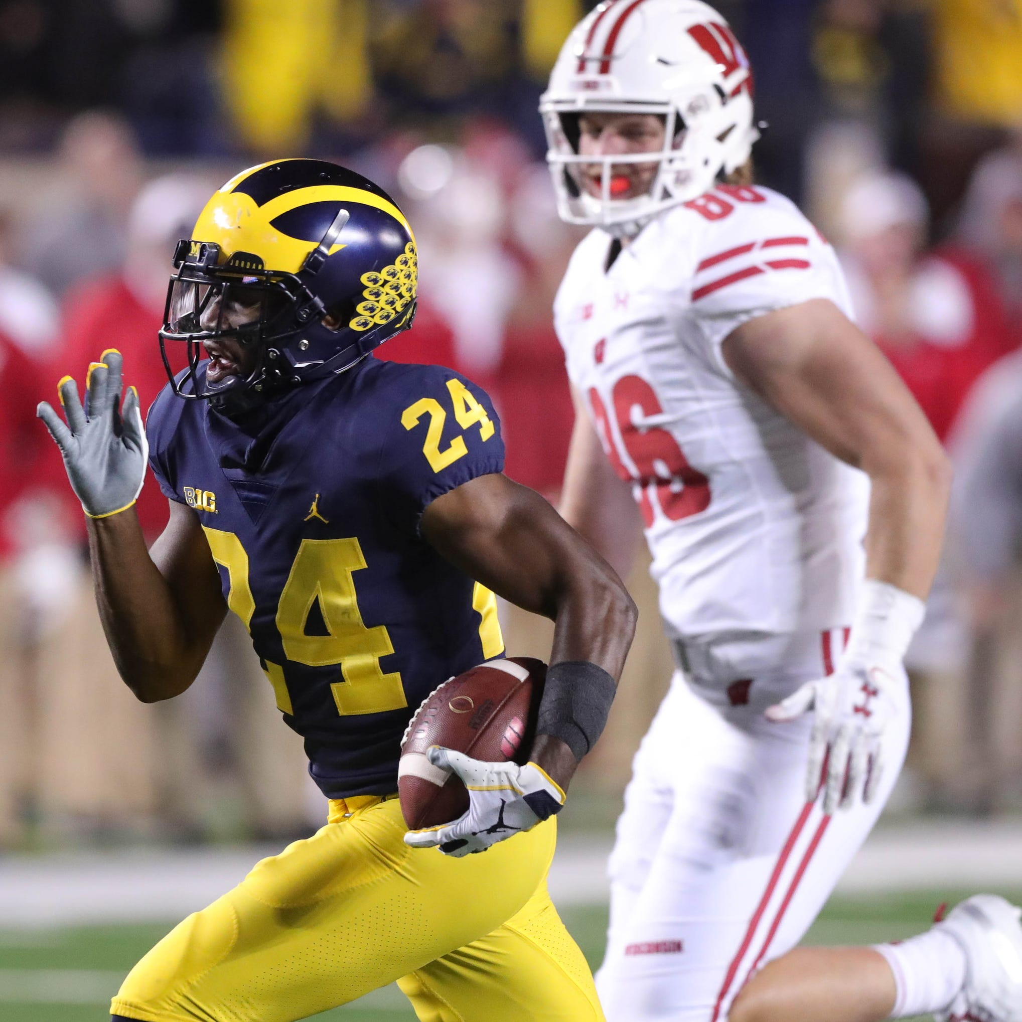 Michigan football's Lavert Hill is in concussion protocol