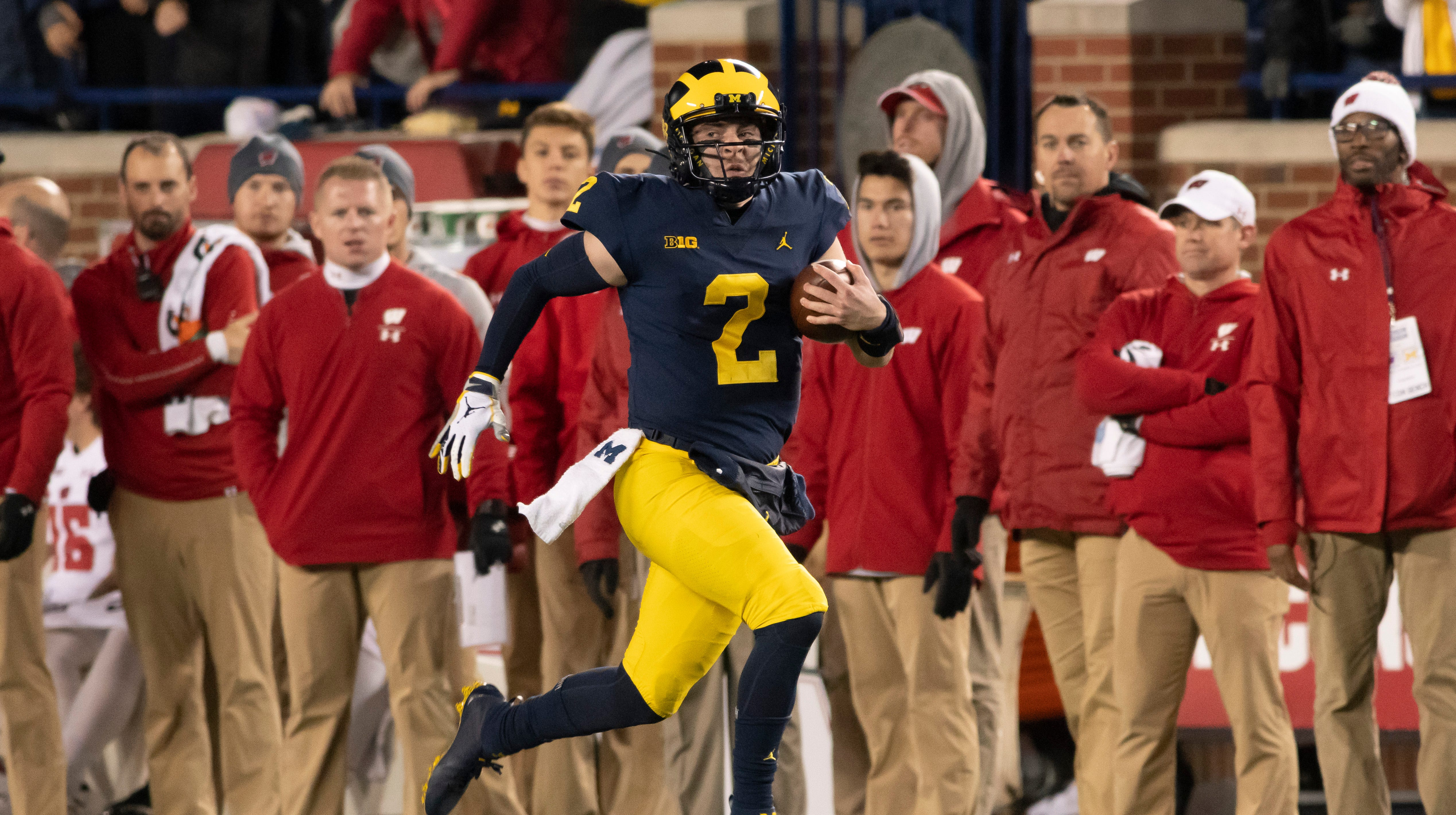 Niyo: Patterson provides the juice as Wolverines are electric under the lights