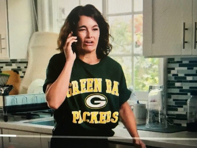 "A Packers fan reports her NFL emergency in a spoof of ""9-1-1"" on the ""Fox NFL Sunday"" pregame show."
